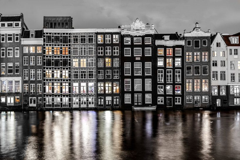 Damrak @ Night van Ronald Huiberse