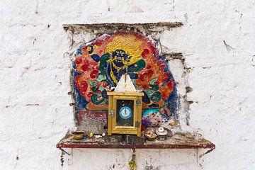 Muur altaar in Tibet van Erwin Blekkenhorst
