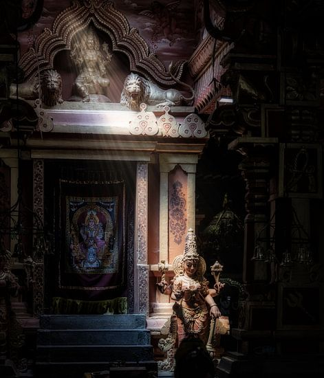 Godin vangt lichtstraal in mysterieuze hindu tempel