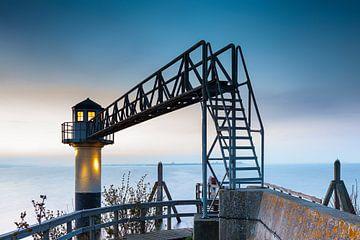Oostmahorn Leuchtturm im Morgengrauen von Evert Jan Luchies