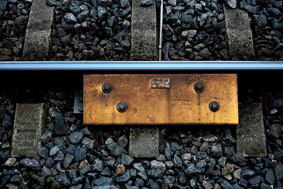 Tussen de rails (station Hilversum) van marc wielaert