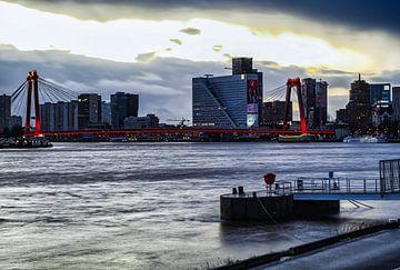 Willemsbrug Rotterdam van Mehmet Karaman