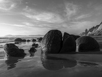 Verlaten Moeraki Boulders, Nieuw-Zeeland van J V