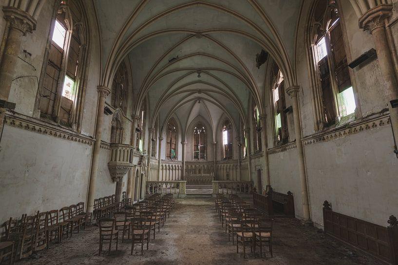 Stoelendans in Kerk van Perry Wiertz