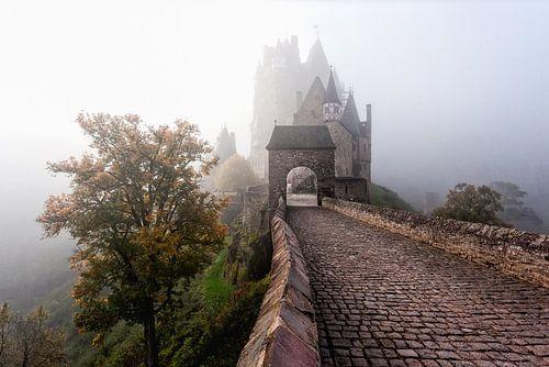 Mistige ochtend bij Burg Eltz van