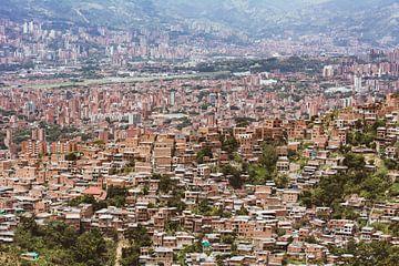 Medellín stad in de bergen van Ronne Vinkx