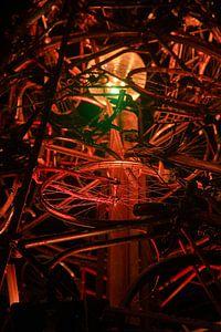 Groningen / Straatkunst / Met LED verlichtte kerstboom van fietsen II /2010
