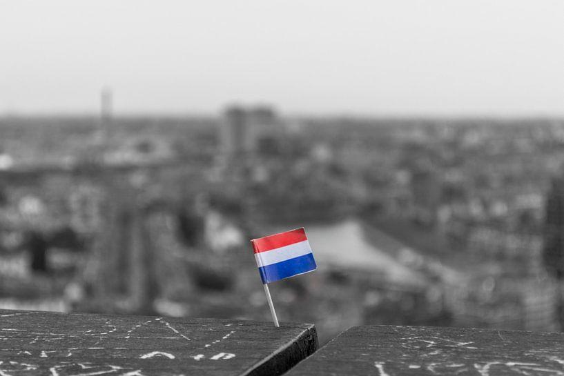 Dutch flag on Euromast von Richard Steenvoorden