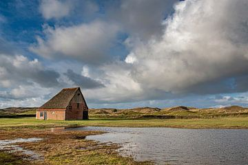 Texel boerderij(schapenboet) met hollandse lucht van Erik van 't Hof