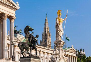 Standbeeld van de godin Pallas voor het parlement in Wenen van Werner Dieterich