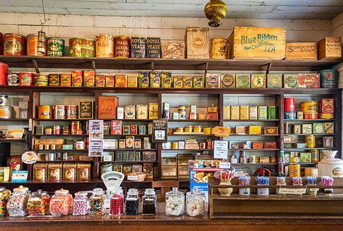 Historische kruidenierswinkel op de O'Keefe Ranch, Canada