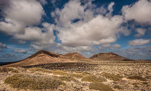 De vulkaan El Mojon op het eiland La Graciosa, een van de Canarische Eilanden