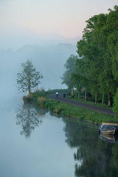 Nebliger Morgenritt auf der Amstel von koennemans