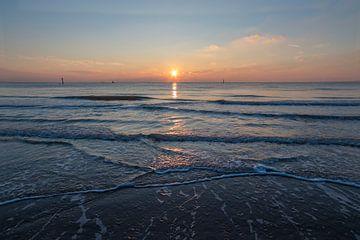 Zonsondergang aan het strand sur Marcel Klootwijk