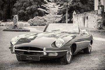 Jaguar E-Type Roadster in zwart en wit van Sjoerd van der Wal