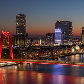 Le Willemsbrug et le Noordereiland à Rotterdam au coucher du soleil sur MS Fotografie | Marc van der Stelt