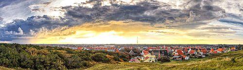 Panorama foto mooie wolkenlucht boven de Koog, Texel / Panoramic photo stunning sky above de Koog, T van