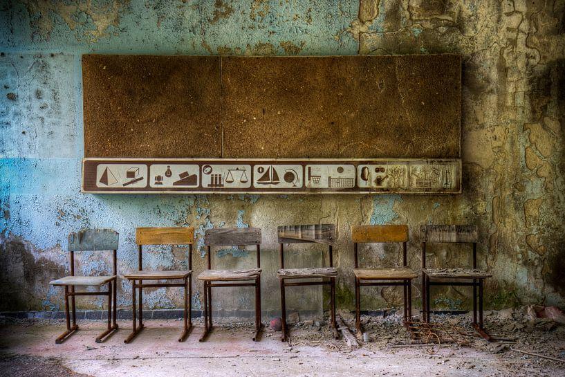 chairs in school van Henny Reumerman