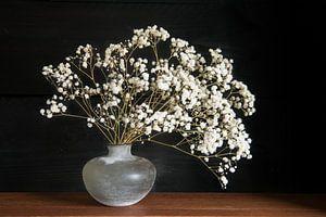 Stilleven met wiite bloemen van Felix Sedney