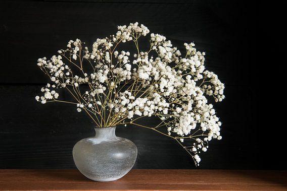 Stilleven met wiite bloemen