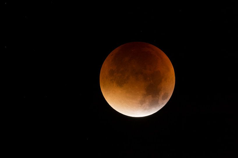 Lunar Eclipse, Red supermoon, Blood moon, 28th September 2015. van wunderbare Erde