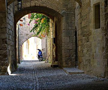 Grieks straatje van Sandra de Moree