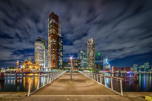 Rotterdam Wilhelminapier en Rijnhavenbrug van