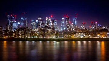 Canary Wharf bei Nacht von Christa Thieme-Krus