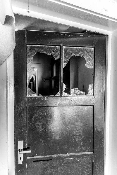 de oude deur van Franziska Pfeiffer