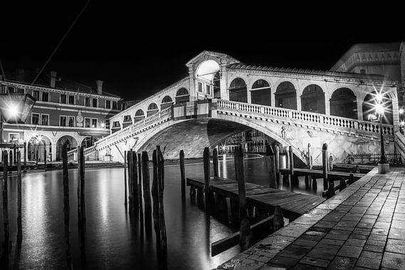VENICE Rialto Bridge at Night black and white