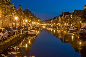 Oude rijn te Leiden in de nacht van Richard Steenvoorden