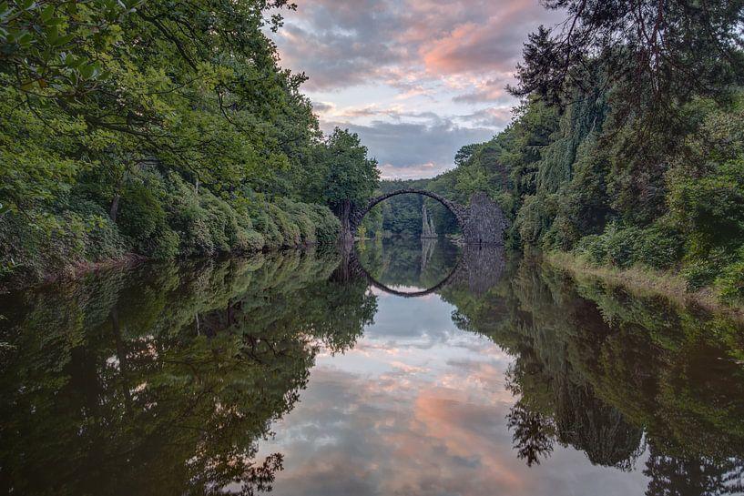 Rakotzbrücke zonsopkomst van Hettie Planckaert