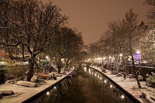 Oudegracht in de sneeuw van