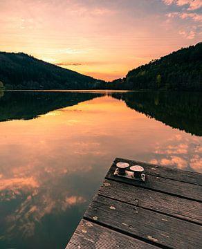 Bootsanleger am ruhigen See von Christian Klös