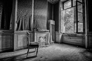 De eenzame stoel (zwart-wit) von Rens Bok