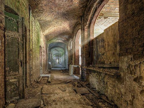 Verlaten plaats - sombere doorgang