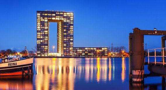 Nachtopname Tasmantoren Groningen van Martijn van Dellen