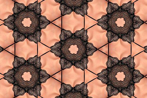 Vrouw in kanten ondergoed (Kaleidoscoop)