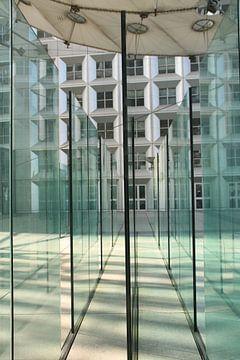 Labyrint in de Grande Arche de la Défense van Nicole Fichtner