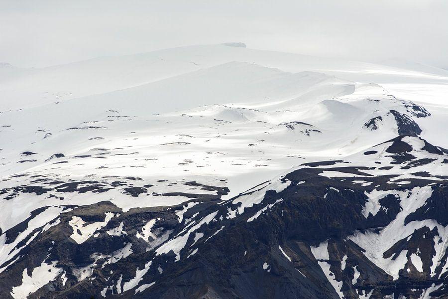 De bergen van Zuid-IJsland II van Ronne Vinkx