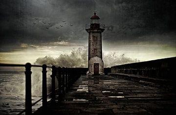Leuchtturm vor der Küste bei Porto, Portugal... von Wim Schuurmans