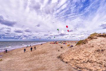 Kitesurfers op de Noordzee