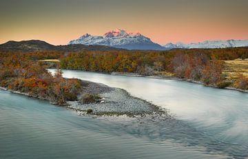 Zonsopkomst in het Torres del Paine Nationaal Park van