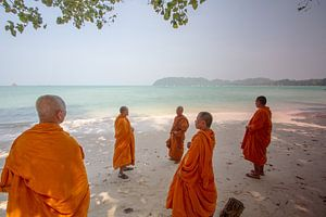 Monks in the Beach