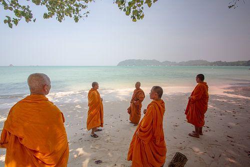 Mönche am Strand