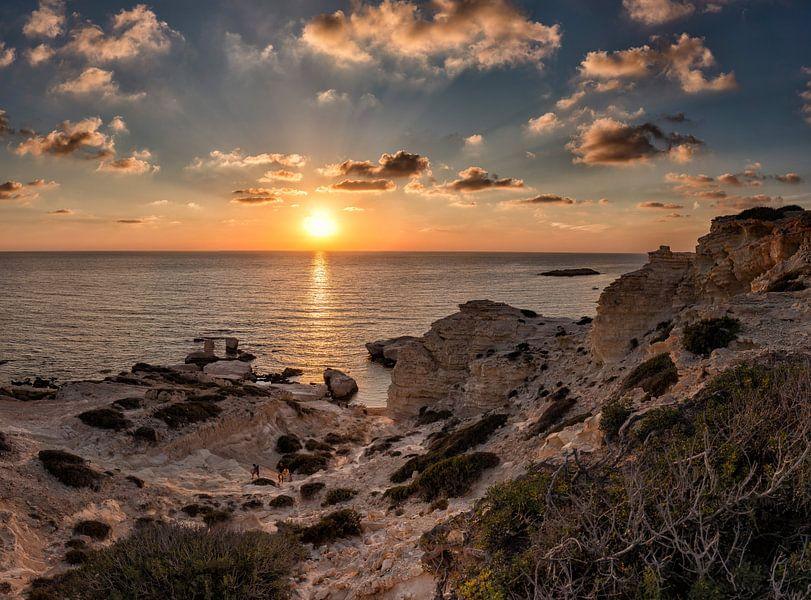 Zonsondergang Sea Caves, Peya, South-Cyprus van Rene van der Meer