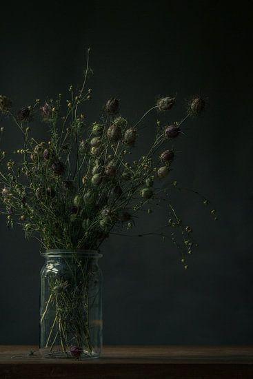 Stilleven van een boeket droogbloemen