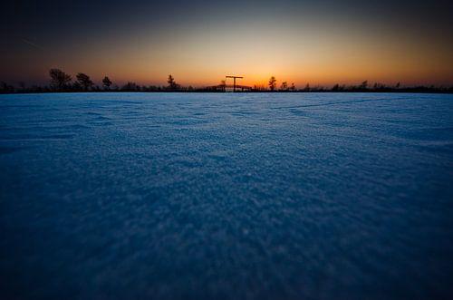 bevroren Nieuwkoopse plassen bij zonsondergang van