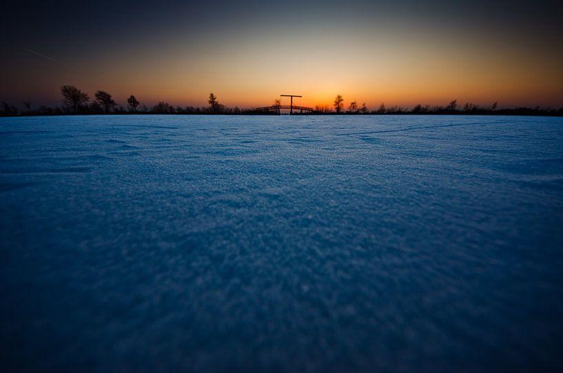 bevroren Nieuwkoopse plassen bij zonsondergang sur Thomas Spaans