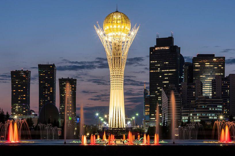 Bayterek Tower Astana van Jeroen Kleiberg
